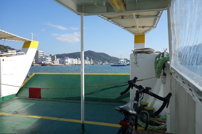 尾道と向島を往復している渡船