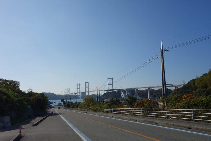 大島から今治方面。来島海峡大橋を望む