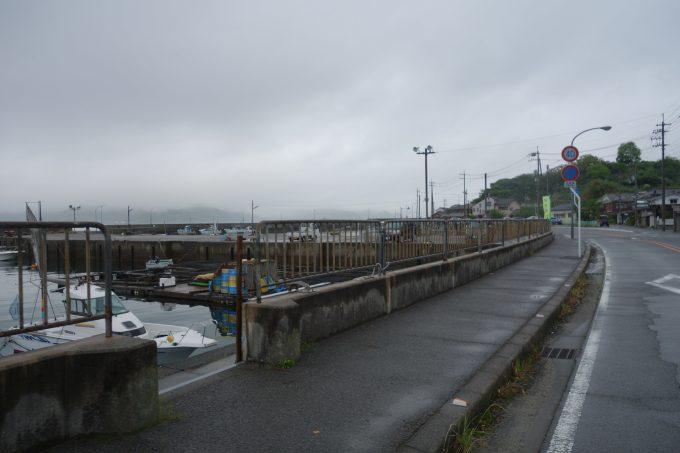 松山観光港出発時の景色