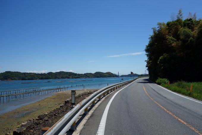 晴れたさざなみ海道の道