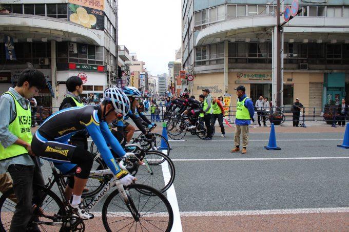 今年も開催!大通りを封鎖しての自転車レース『浜松秋の芸術祭2017 まちなかチームパーシュート/スプリント』!