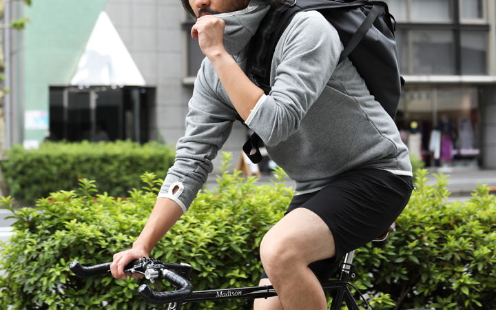 春・秋のロードバイクを暖かく!カジュアルな厚手の自転車長袖ウェア