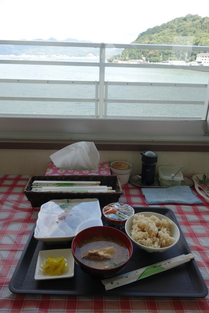 かきしま海道ランチ 海辺の海鮮市場 海の見える席