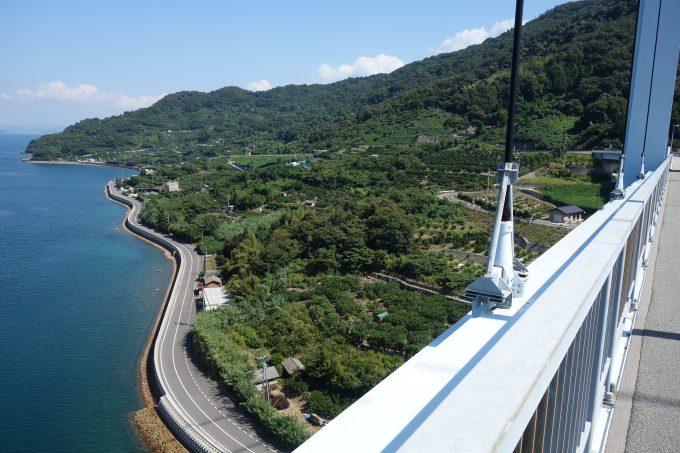 豊浜大橋からの豊島の景色
