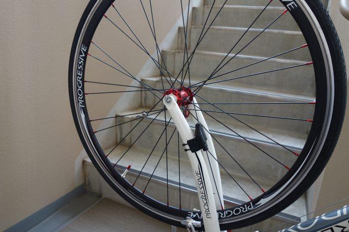 タイヤを交換したロードバイク