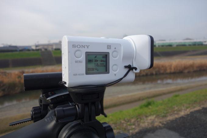ロードバイクのハンドルに付けたソニーアクションカムHDR-AS300