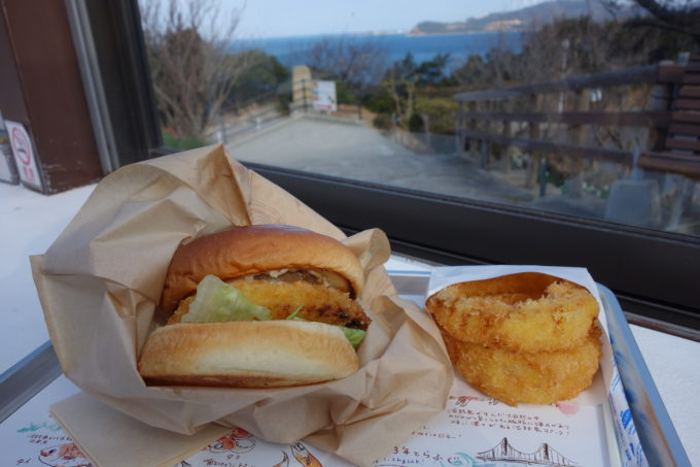 淡路島グルメ|アワイチのランチは生しらす・生サワラ・ハンバーガー!
