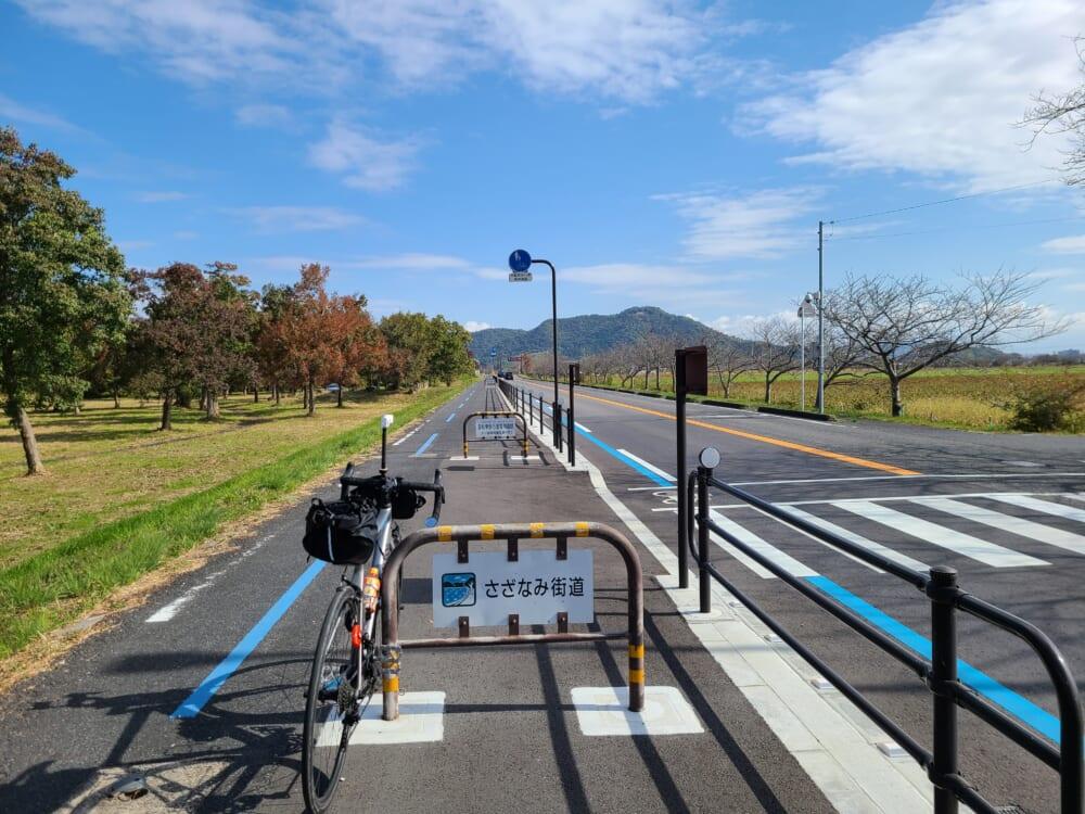 琵琶湖沿いの湖岸道路「さざなみ街道」