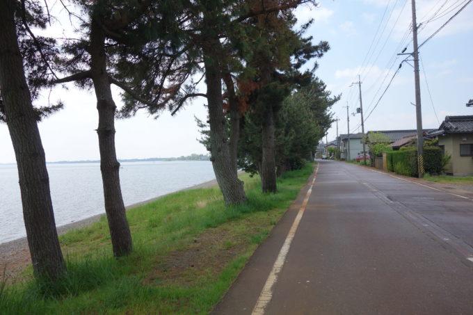 琵琶湖一周ビワイチ 近江今津の湖畔