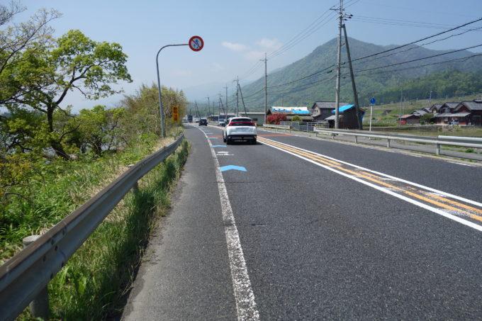 白髭神社周辺の交通量が多い道