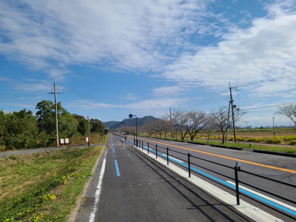 琵琶湖畔のサイクリングロード