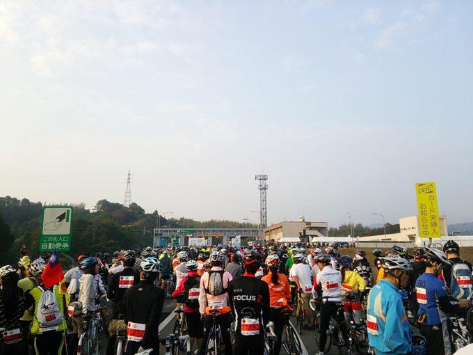 しまなみ海道の高速道路を封鎖して走る!『サイクリングしまなみ』参加者案内が届いたよ