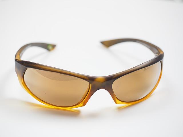 ド近眼にはアイウェアが無い!?ロードバイクの度付きサングラスを探せ!