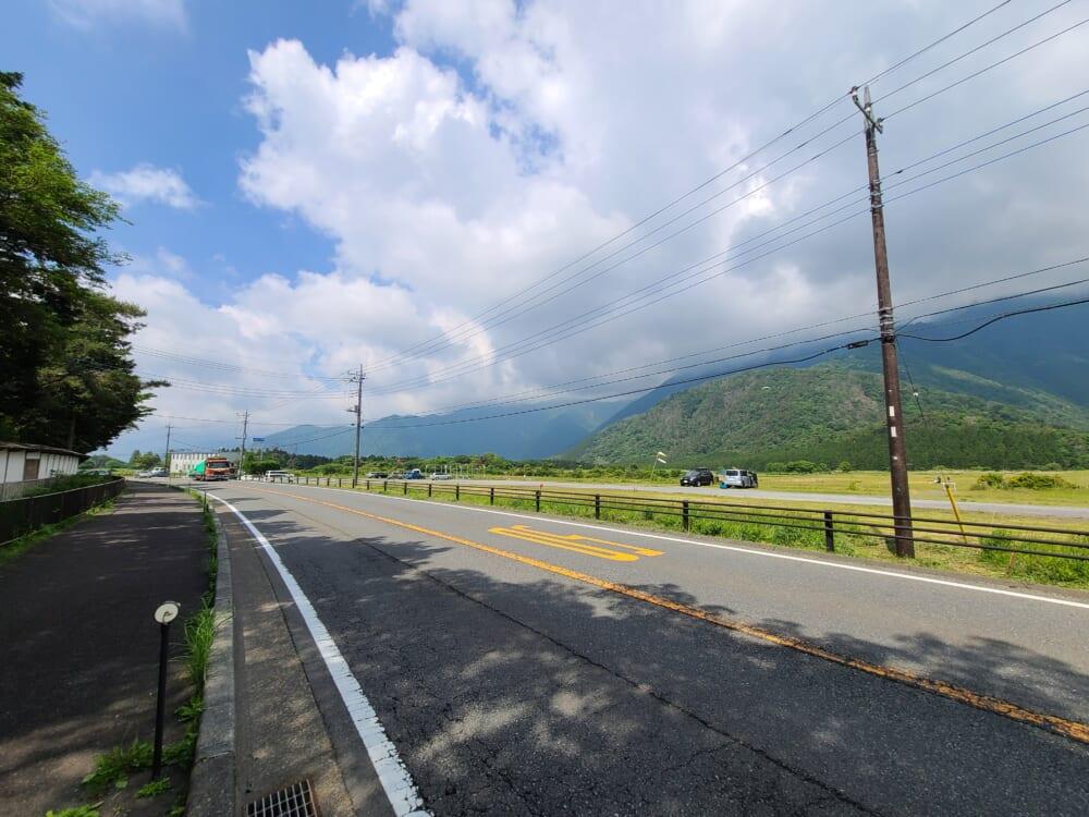 富士山一周ふじいち 朝霧高原の道路