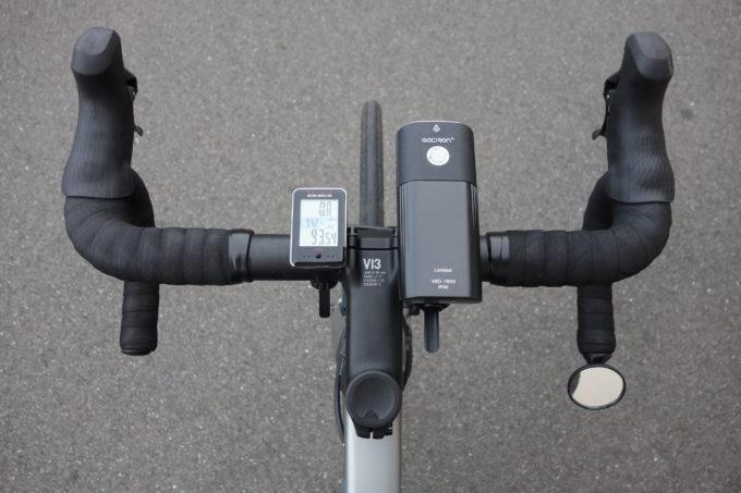ロードバイク用自転車ライト ガシロンV9D1800の上からの装着イメージ