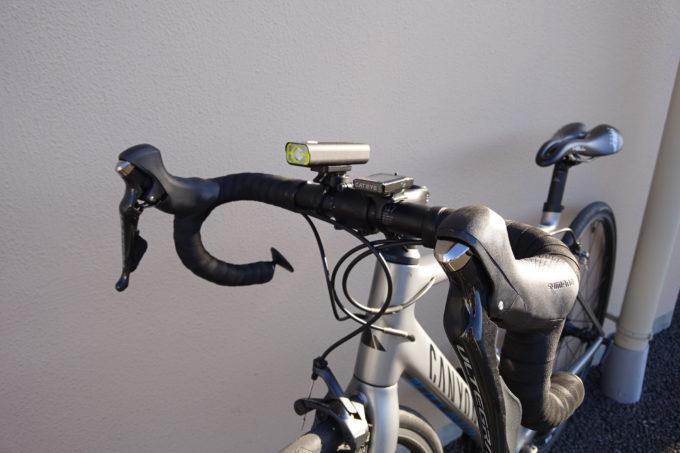 ロードバイク用自転車ライト ガシロンV9C400の装着イメージ