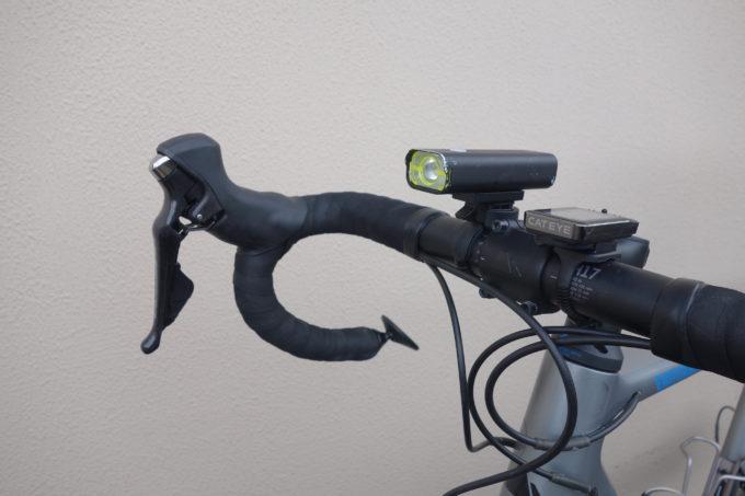 ロードバイク用自転車ライト ガシロンV9C800の装着イメージ