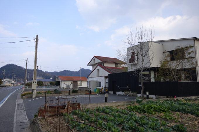 しまなみ海道・伯方島 パティスリー・ティーズカフェ玉屋 道路からの景色