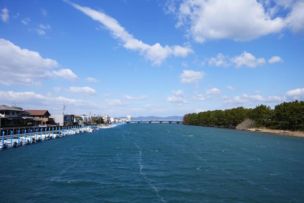弁天島駅前の浜名湖のヨット係留地