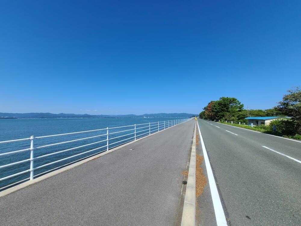 浜名湖ガーデンパークそばの湖岸道路