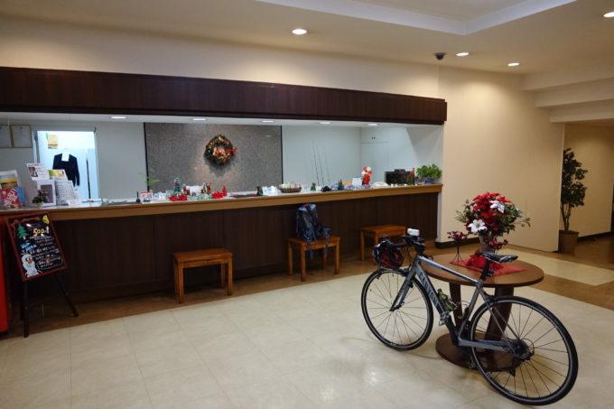 霞ヶ浦かすいち宿泊におすすめホテル ホテルグリーンコア土浦 自転車を持ち込んだロビー