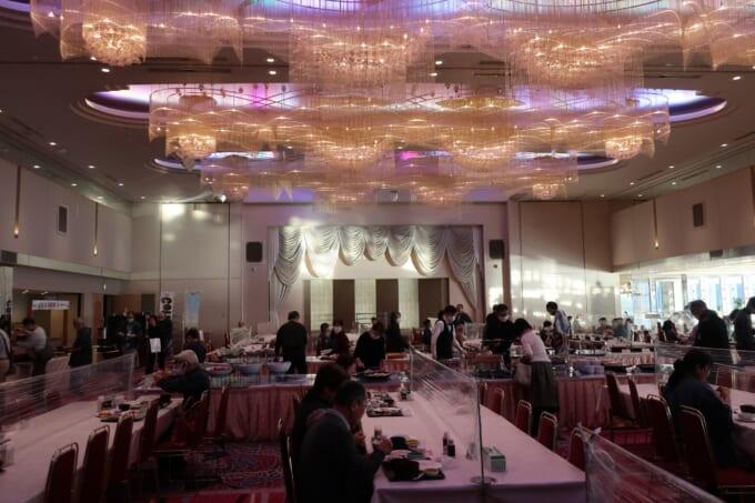 南三陸ホテル観洋 朝食会場の大広間