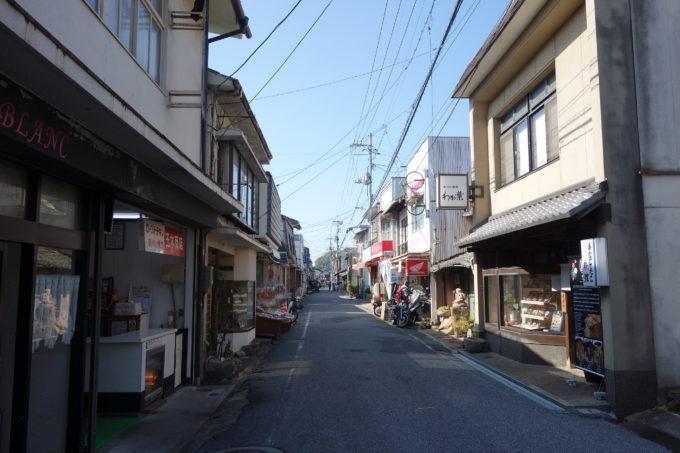 しまなみ海道生口島 瀬戸田しおまち商店街の風景