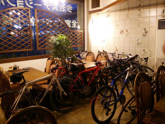 喫茶店が駐輪場になった今治ステーションホテル