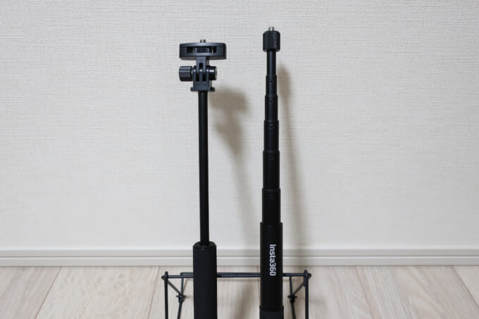 リコーシータとInsta360の自撮り棒を伸ばしたところ