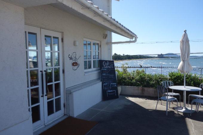 クラブハリエのパン工房 ジュブリルタン カフェ入口