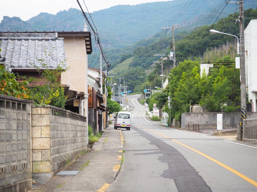 小豆島 草壁本町近くの寒霞渓への道