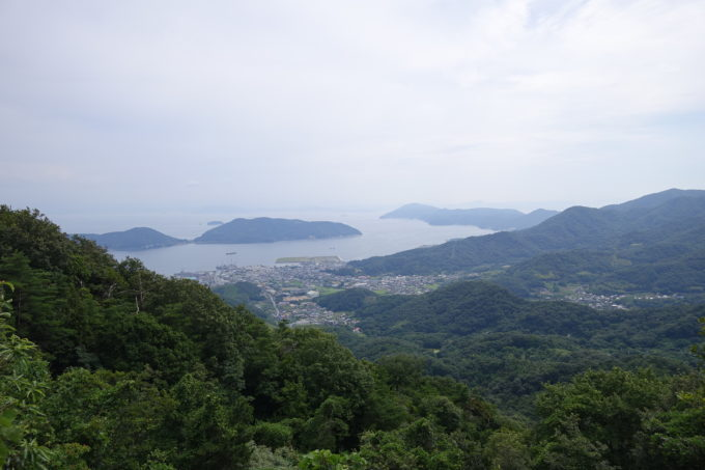 小豆島 寒霞渓への道路からの街並み
