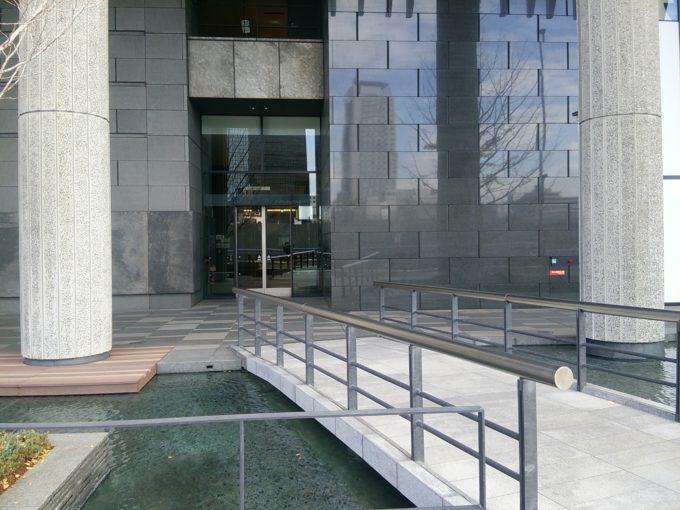 グランフロント大阪 カペルミュールのある西側入り口