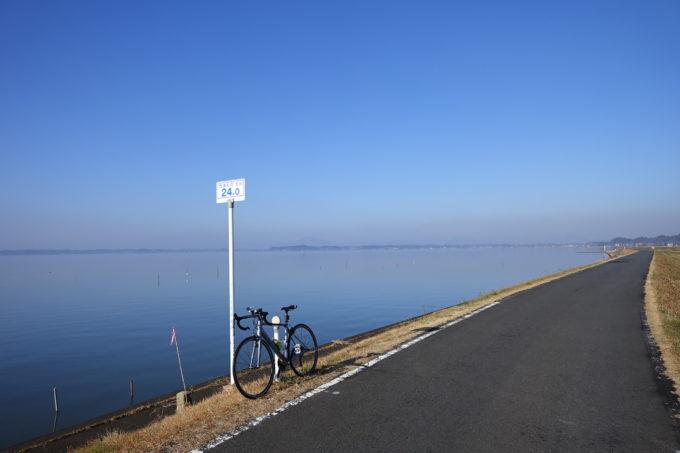 霞ヶ浦一周かすいち サイクリングロードの風景