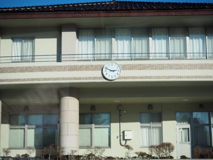 戸倉公民館の壁時計