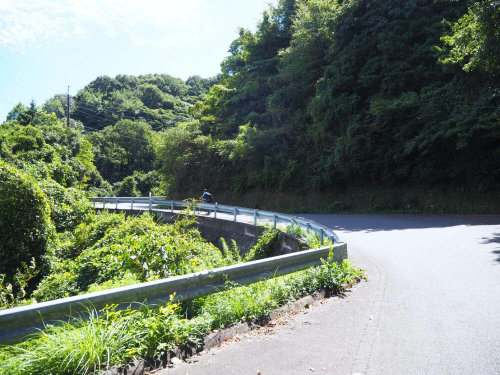 しまなみ海道大島 亀老山展望台への坂道