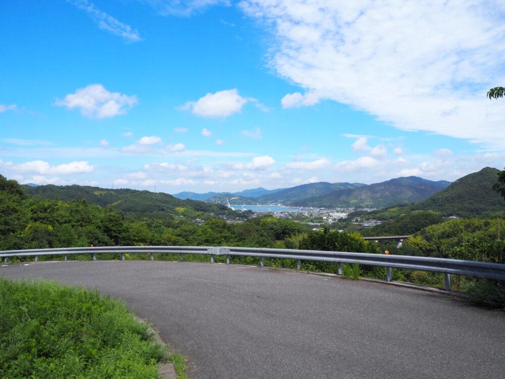 しまなみ海道大島 亀老山の上り途中の景色