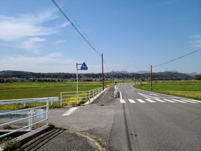 国東半島の山に向かう道路