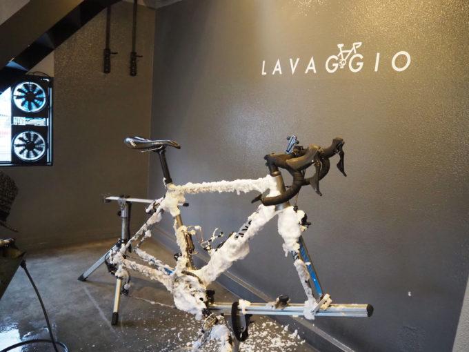 ロードバイク洗車専門店 ラバッジョの洗車 泡で包まれた自転車2