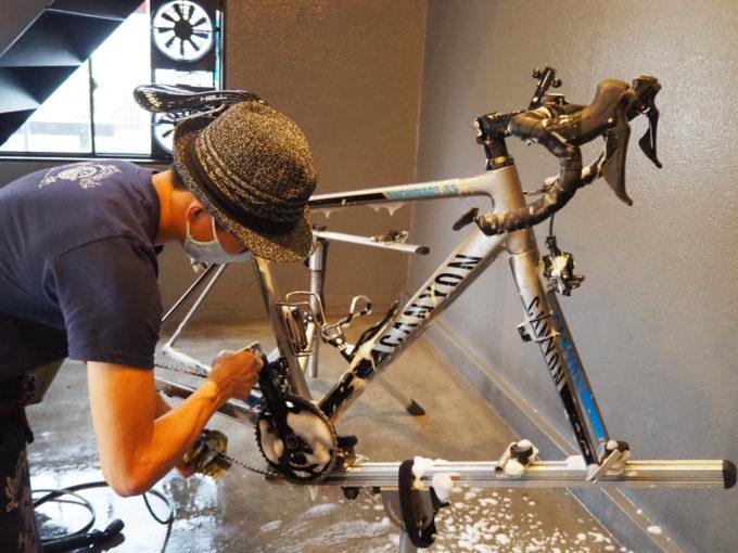 ロードバイク洗車専門店 ラバッジョの洗車 チェーンの掃除