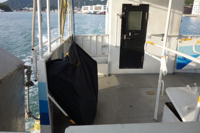 輪行袋で乗りこむ貨客船フェリー