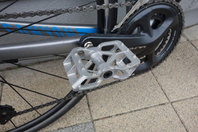 【自転車屋おすすめペダル】ロードバイクもフラットペダルで走りたい!「三ヶ島MKS」ペダルが良いぞ!