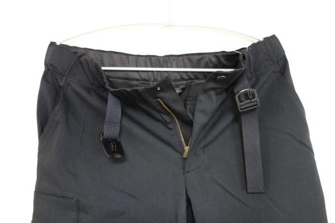 パールイズミ サイクルパンツ スリークオーター 前開き状態とベルト
