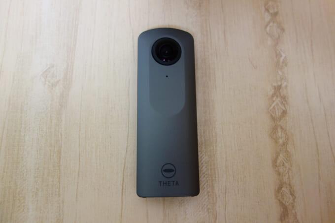 360度カメラ リコーシータV 本体正面