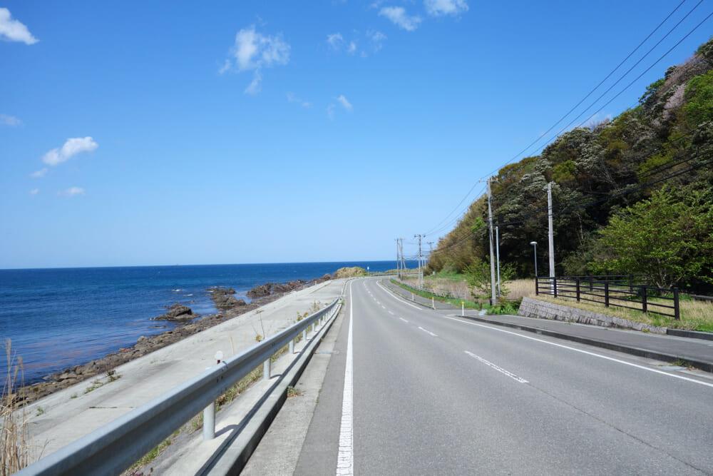 佐渡島一周サドイチ 海沿いの道