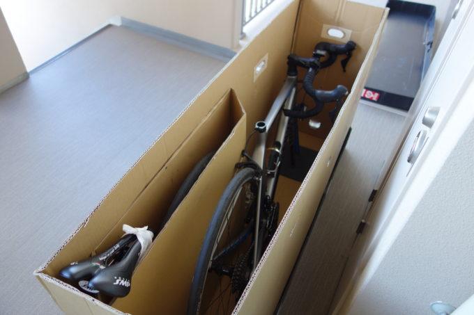 西濃運輸カンガルー自転車イベント便 レンタル輪行箱に梱包したロードバイク