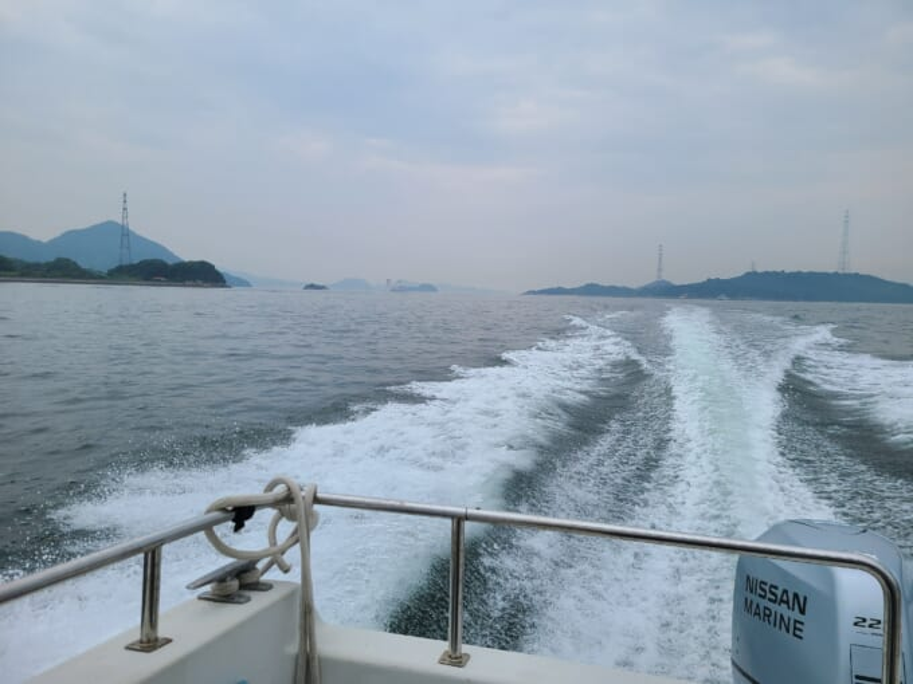 WAKKAのサイクルシップ航行中の波