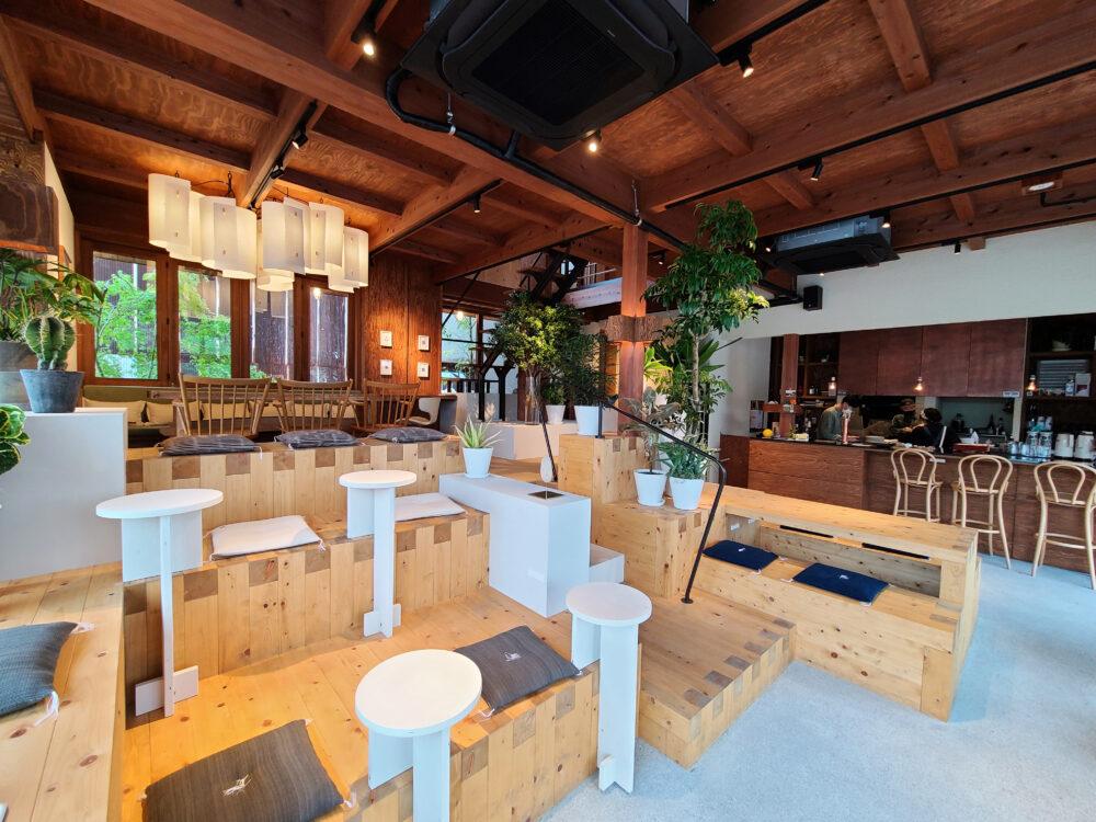 ソイル瀬戸田の1階 食堂とラウンジスペース
