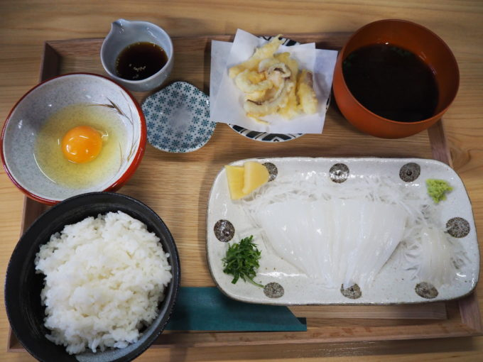 しまなみ海道生口島 しおまち商店街「食堂あおり」アオリごはん定食