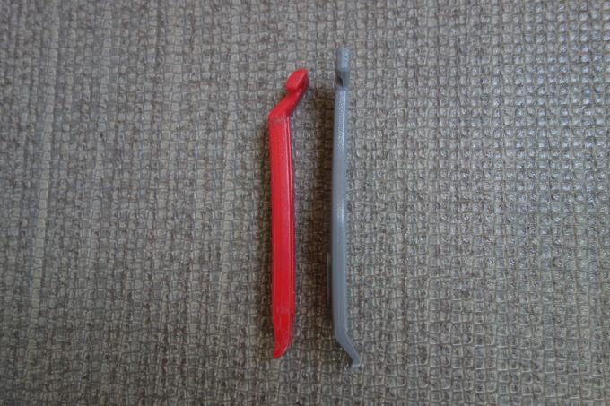 ママチャリ用とロードバイク用のタイヤレバー長さ比較